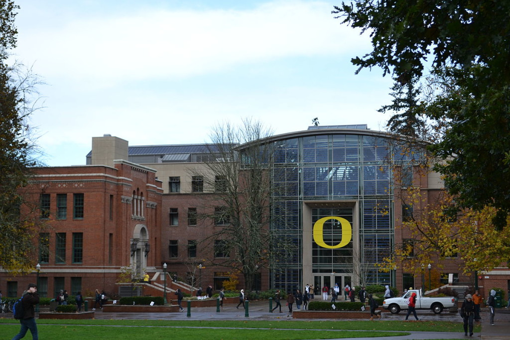 1200px-Lillis_Complex_(University_of_Oregon)